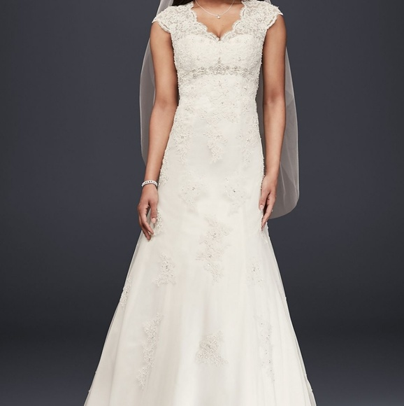 Davids Bridal Wedding Dress Excellent Condition